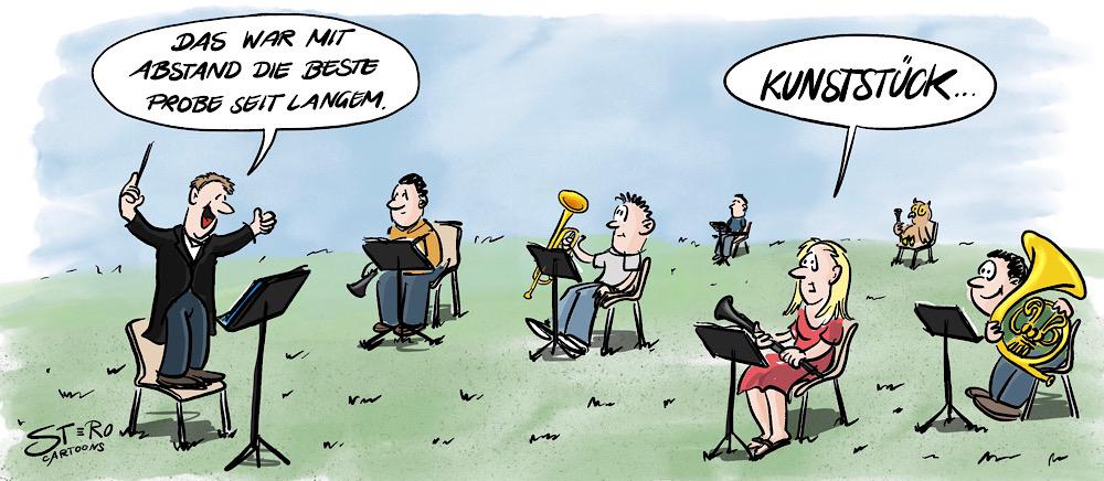 Cartton-Comic-Karikatur: Trotz Corona und Coronaverordnungen dürfen wieder Musikproben stattfinden. Allerdings unter strengen sicherheitsmaßnahmen. Der Abstand zum Dirigent und zwischen den Musikern ist vorgschrieben und sie finden draußen statt.